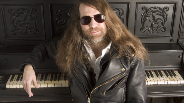 Paul O'Neil of Trans Siberian Orchestra, poses in New York, Oct. 20, 2006.  (AP Photo/Jim Cooper)