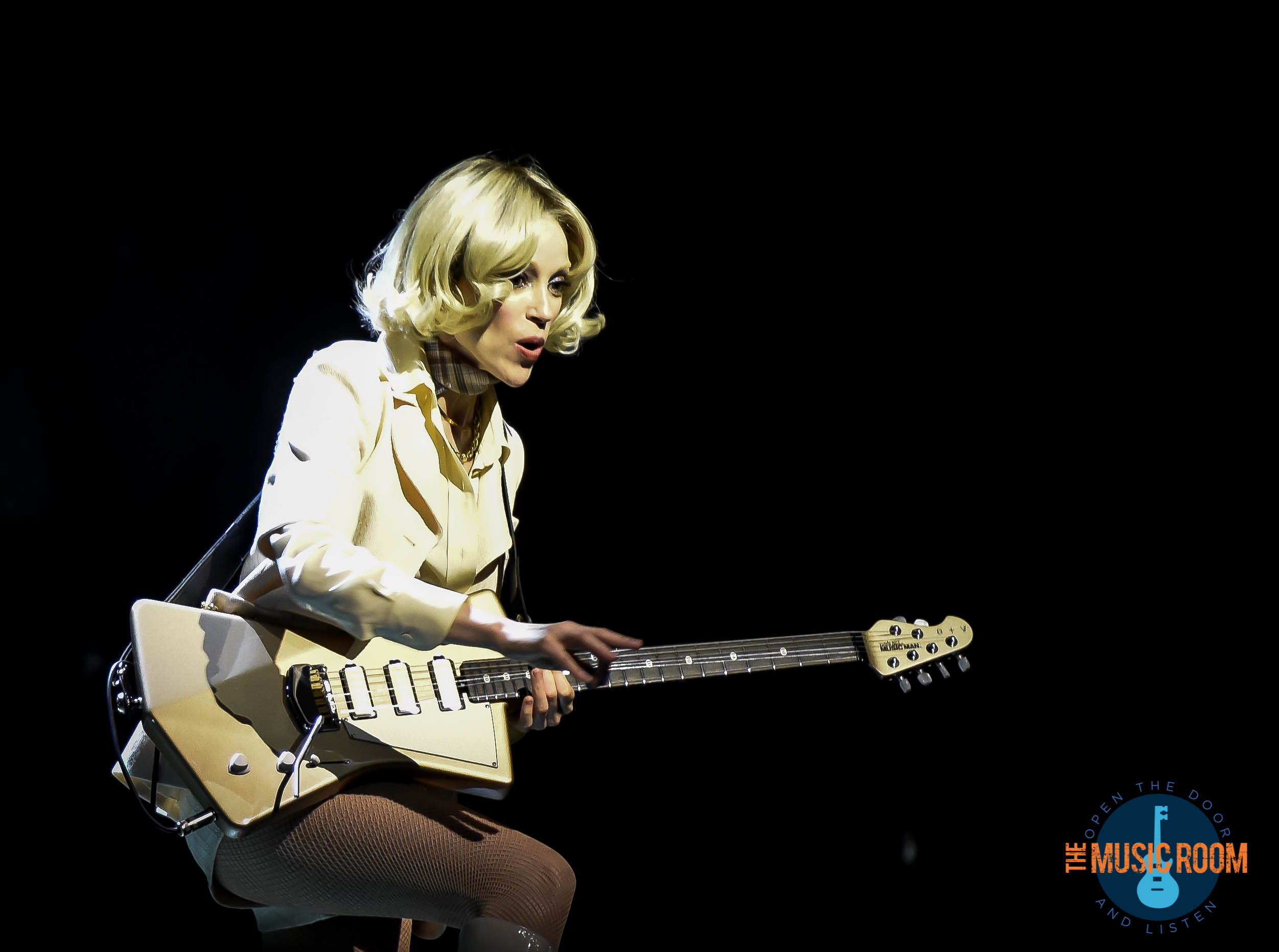 St. Vincent Playing Guitar